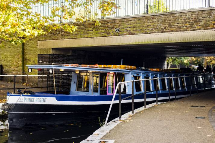 the-prince-regent-narrowboat-canal-london-shell-co-boat-exterior-2