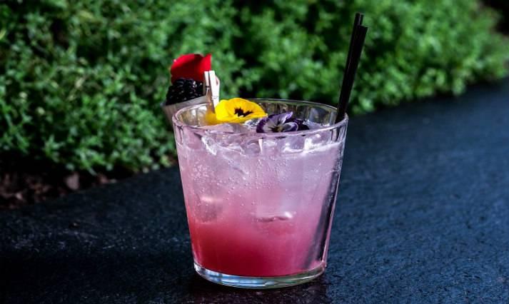sky-garden-at-night-bespoke-events-london-incognito-city-garden-bar-cocktail