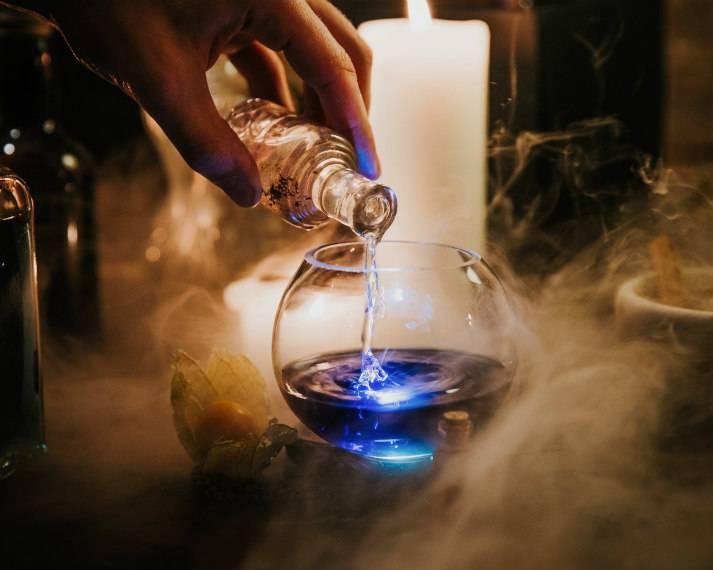 london-incognito-harry-potter-the-cauldron-magical-pub-potion